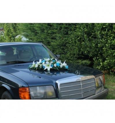 bouquet de mariage pour voiture avec roses lys turquoise et blanc cass bouquet de la mariee. Black Bedroom Furniture Sets. Home Design Ideas