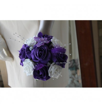 Bouquet demoiselle d'honneur thème violet avec plumes et perles