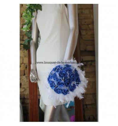 Bouquet de mariée rond roses et diamants bleu roi / royal