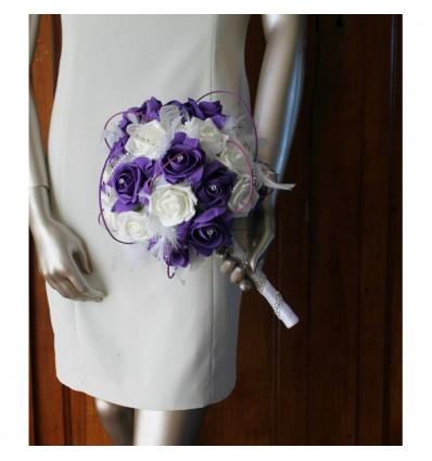 Bouquet de mariée Rond prune et blanc avec plumes strass et perles