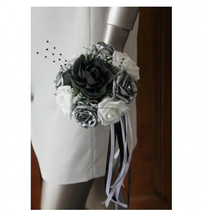 Bouquet demoiselle d'honneur roses noires gris argenté et blanc