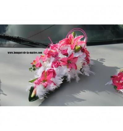 Décoration voiture pour mariage couleur fuchsia et blanc