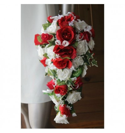 promo bouquet de fleurs mariage tombant roses rouges et blanches bouquet de la mariee. Black Bedroom Furniture Sets. Home Design Ideas