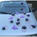 Décoration voiture mariage avec papillon et roses parme et rose
