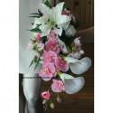 Bouquet mariée tombant rose clair et blanc Lys, Arums, orchidées