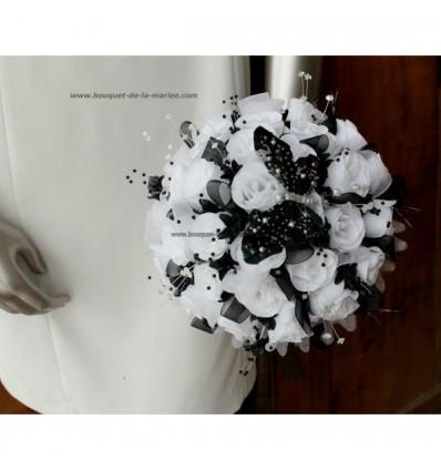 Bouquet mariée noir et blanc avec papillon et strass!