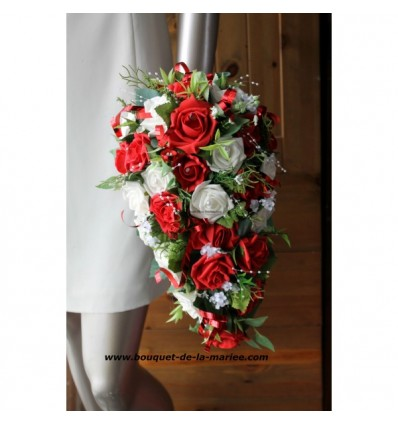 Bouquet de Mariage Tombant avec des roses rouges et blanches