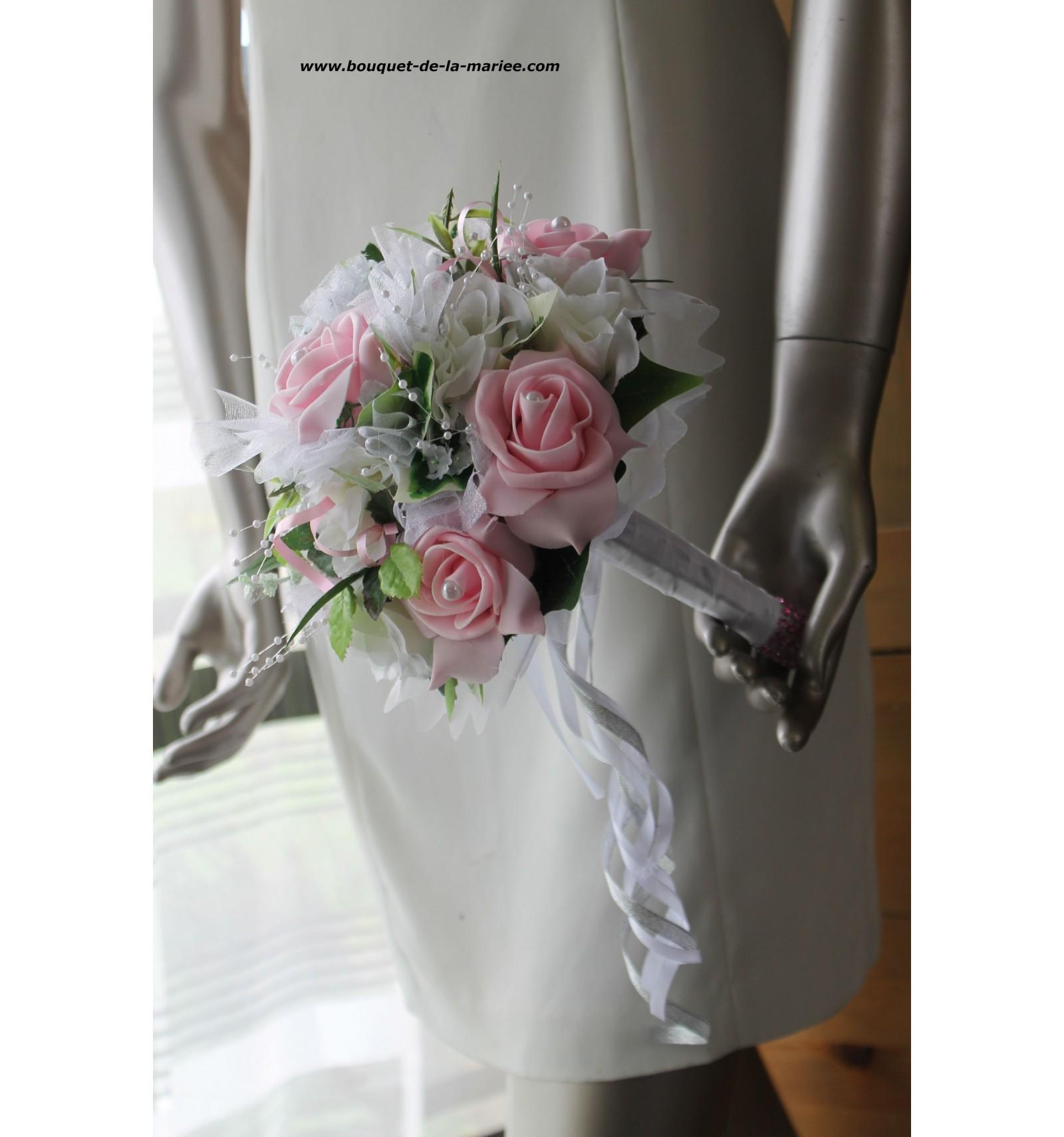 bouquet de fleurs mari e roses couleur rose ou bordeaux. Black Bedroom Furniture Sets. Home Design Ideas