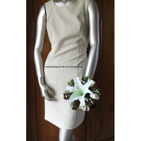 """Bouquet de Mariée Rond """"Style"""" avec 1 gros Lys, des Roses et Perles"""