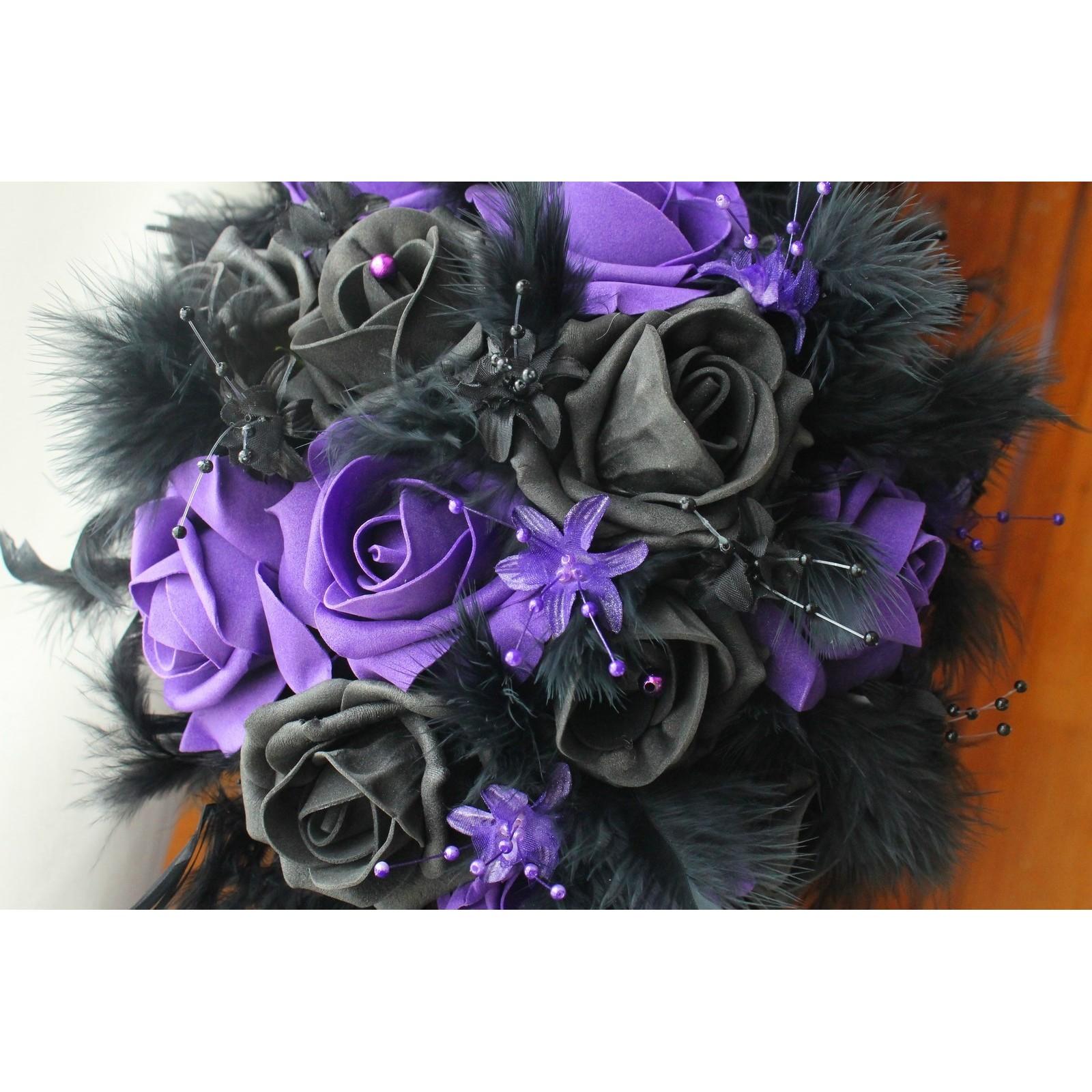 bouquet mari e gothique violet et noir perles plumes bouquet de la mariee. Black Bedroom Furniture Sets. Home Design Ideas