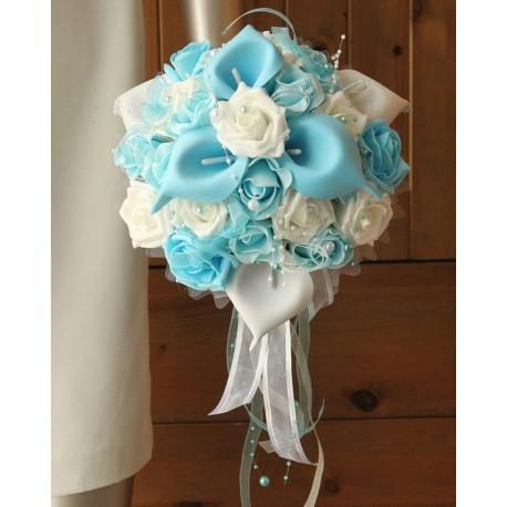 Bouquet Mariée arums bleu et blanc orné des perles