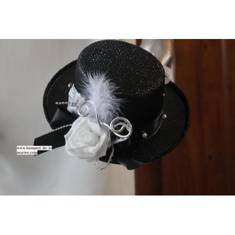 Coussin d'alliances mariage chapeau haut de forme noir et blanc