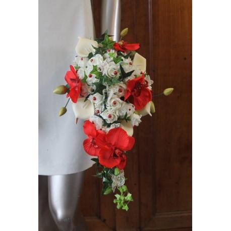 Bouquet mariée cascade arums orchidées rouge