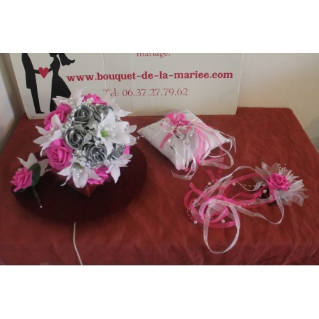Bouquet mariée, boutonnière, coussin d'alliances et peigne cheveux Fuchsia