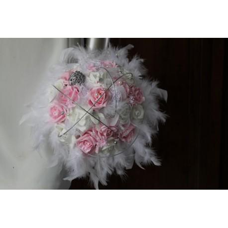 Bouquet Mariée Blanc et Rose plumes, rotin, colombes!