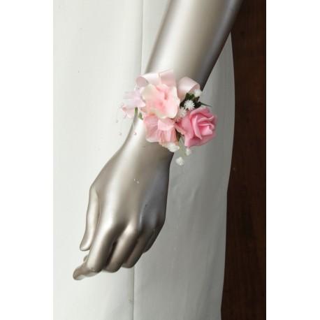 Bracelet de fleurs mariage rose hortensia rose clair