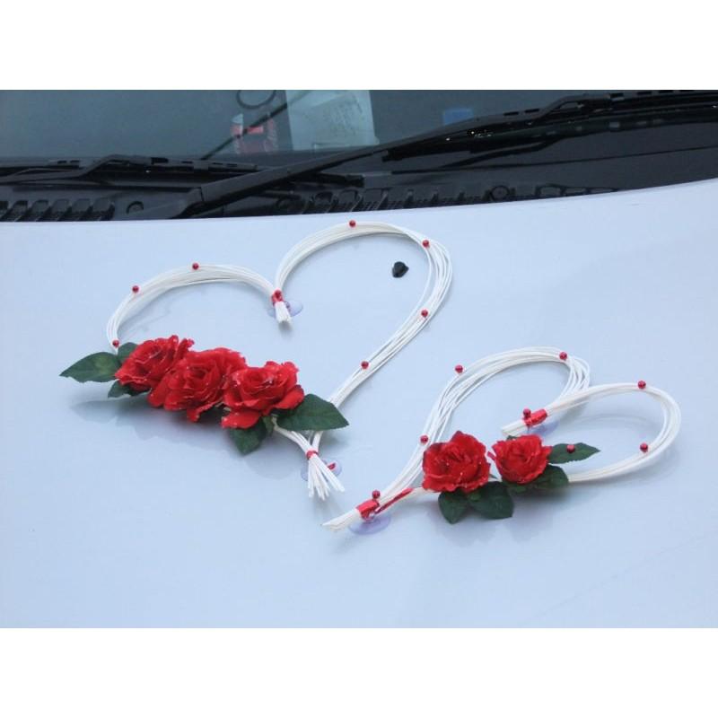 D coration voiture mariage avec des roses perles p tales for Decoration avec des roses