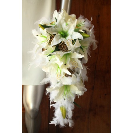 Bouquet de Mariée lys Blanc Tombant thème Or plumes