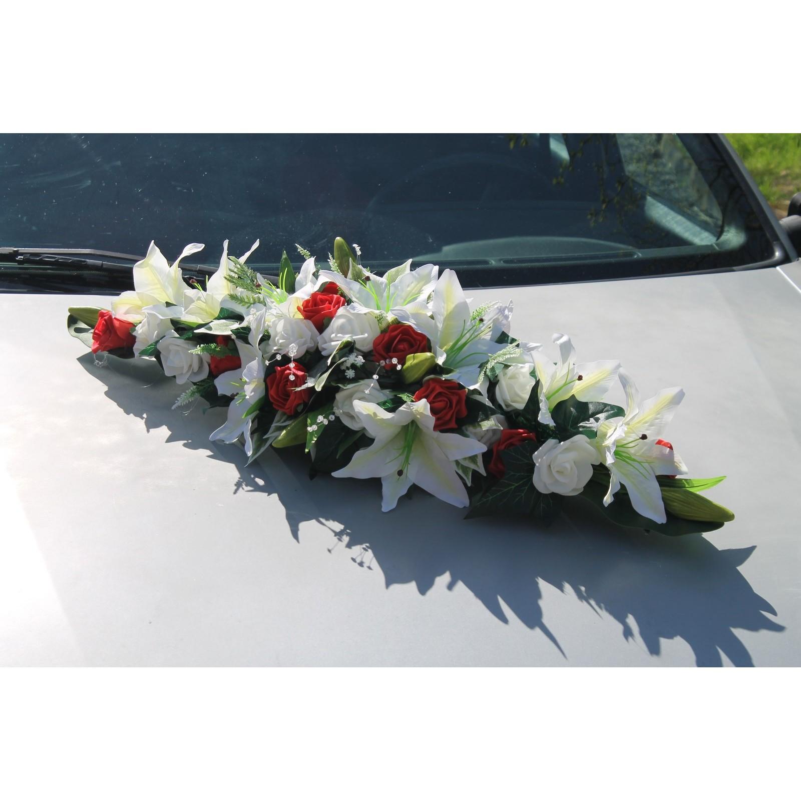 composition florale pour voiture de mariage blanc et rouge. Black Bedroom Furniture Sets. Home Design Ideas