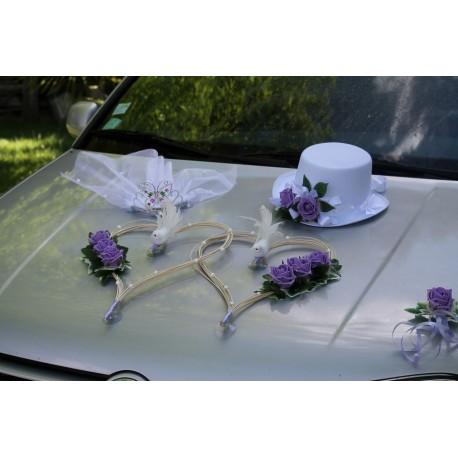 Décoration voiture mariage chapeau, voile, cœurs, colombes parme et blanc