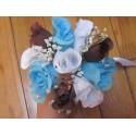 Bouquet demoiselle d'honneur avec roses bleues, blanches, marron