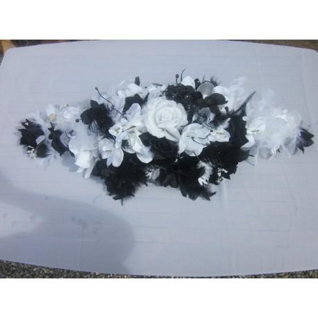 Composition roses et orchidées noir