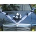 Décoration voiture pour mariage pas cher thème noir et blanc