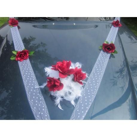 décoaration voiture mariage bordeaux et blanc
