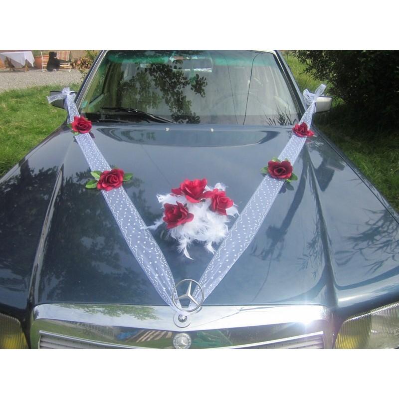 d coration de voiture pour mariage th me roses bordeaux ou rouge bouquet de la mariee. Black Bedroom Furniture Sets. Home Design Ideas