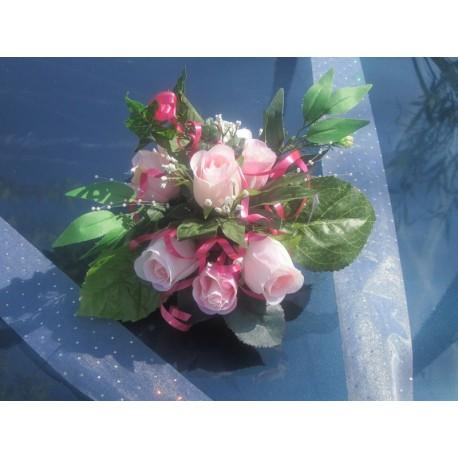 décoration voiture mariage rose