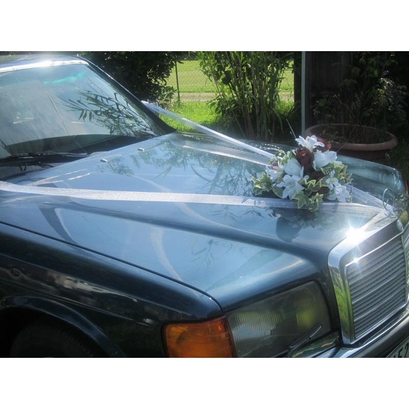 d coration de la voiture de mari e avec des roses choix des couleurs bouquet de la mariee. Black Bedroom Furniture Sets. Home Design Ideas