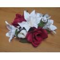 Décoration table mariage thème bordeaux avec Lys et Roses