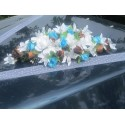 Bouquet de mariage pour voiture avec roses, lys turquoise et chocolat
