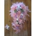 Bouquet de fleurs de la Mariee forme Cascade thème Parme et Rose