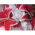 Bracelet de fleurs pour la mariée avec lys et roses rouge ou fushia