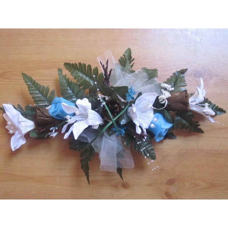 Déco Turquoise Et Chocolat Pour Mariage : Composition florale pour table de mariage thème turquoise