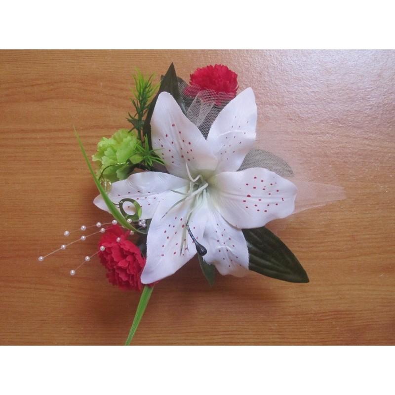d coration de table de mariage avec de belles fleurs naturelles bouquet de la mariee. Black Bedroom Furniture Sets. Home Design Ideas