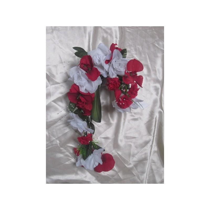 bouquet de mariage original rouge style cascade avec des. Black Bedroom Furniture Sets. Home Design Ideas