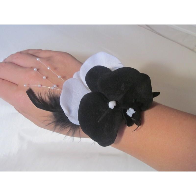 Bracelet Orchid Es Mariage Noir Et Blanc Avec Plumes Et Perles Bouquet De La Mariee